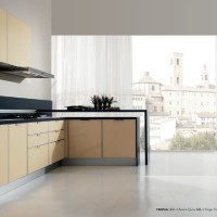 Tropea Kitchen Design with Avorio Quito and Grigio Pinar coloured glass doors