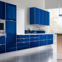 Tropea Kitchen Design with Blu Grenada doors