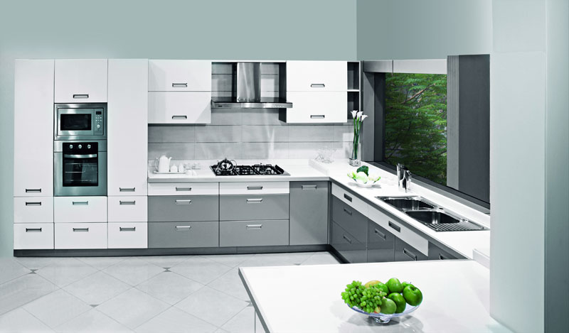 Sleek Kitchen Design Ideas ~ Silver sleek sophisticated c shaped kitchen design