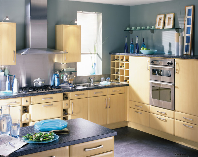 Moderna Maple Satin Kitchen Design