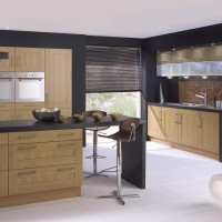 Shaker Lissa Oak Kitchen Design