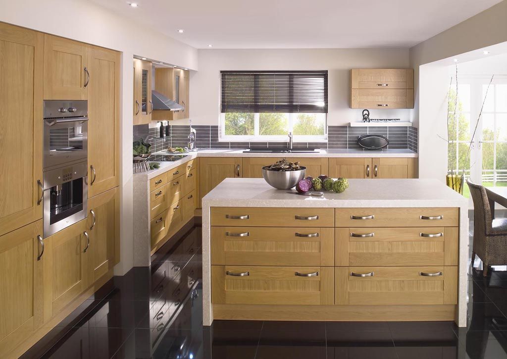 Shaker lissa wood oak kitchen design Wooden house kitchen design