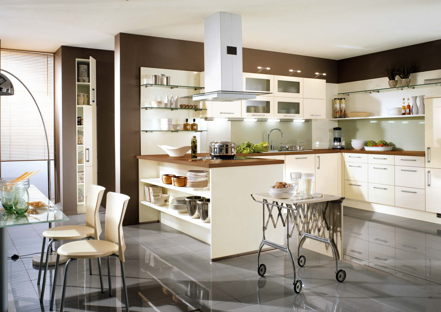Uno cream high gloss kitchen design for Modern german kitchen designs