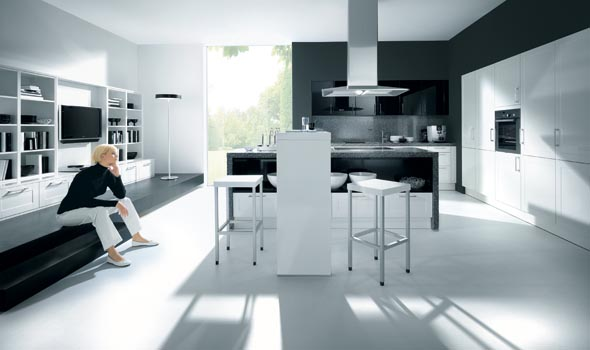 Como black and high gloss white kitchen design - Cuisine blanche contemporaine ...