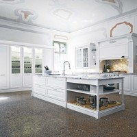Elite Traditional Kitchen Interior - White Doors and Cabinets