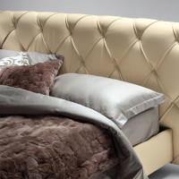 Capitone Headboard Base Bed Flair 05 by Poltrona Frau