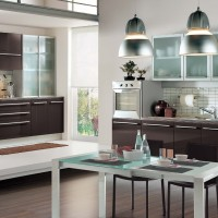 Modern Class Cromatica Kitchen with Glossy Cabinets