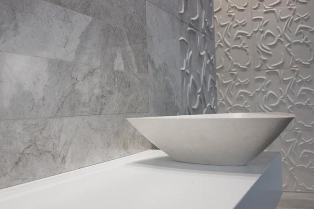 curve 3d tile in white honed phoenix