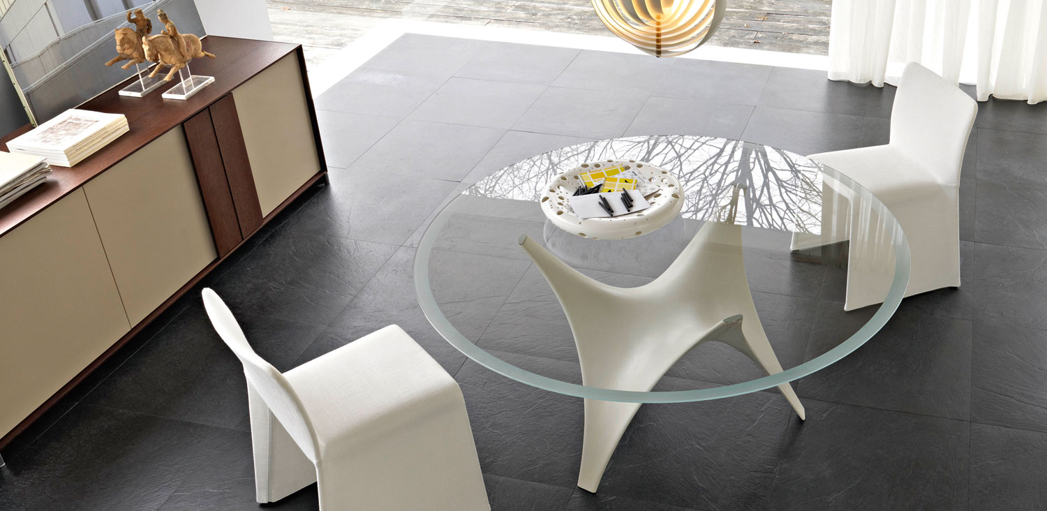 modern round glass dining table molteni arc 03. Black Bedroom Furniture Sets. Home Design Ideas