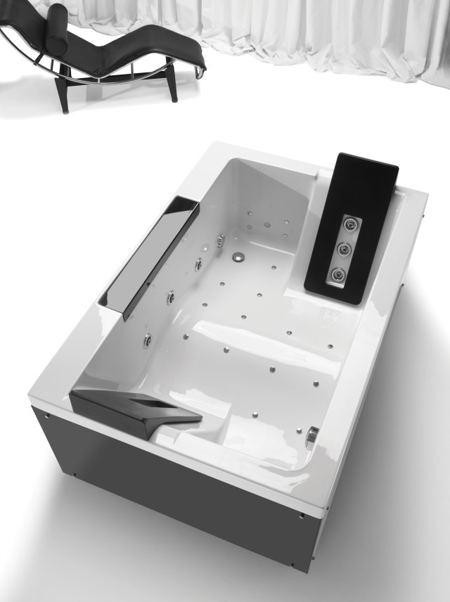 Sanindusa bathtub twospace 02