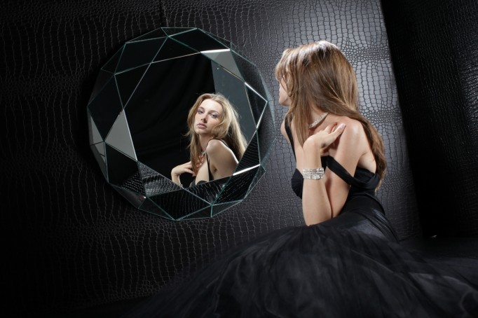 geometric wall mirror specchio diamante regia