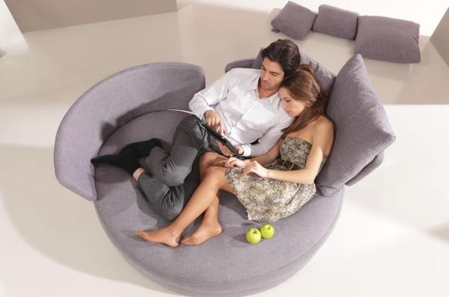 my-apple-love-seat-fama-2