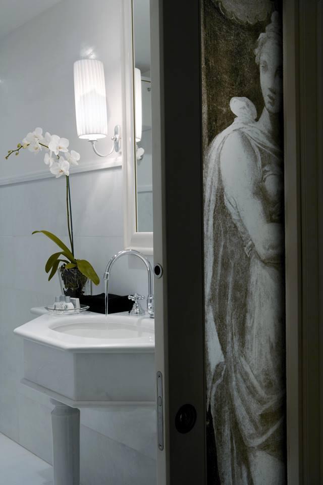 bathroom design by pietro del vaglio