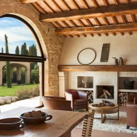 An ancient farm house located in tuscany by Pietro del Vaglio